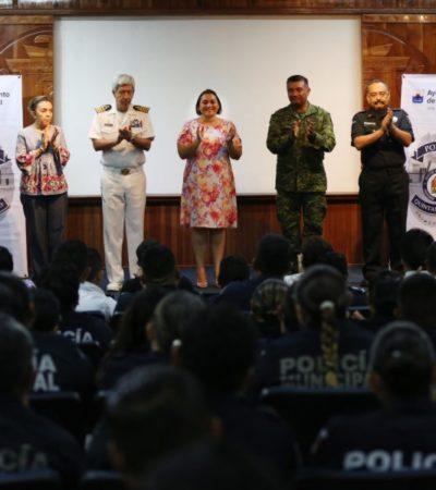 """Policías de Cozumel reciben el curso de capacitación """"Disciplina a tus hijos con amor y límites"""" que fomenta valores en las familias de la isla"""