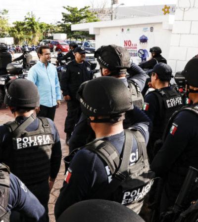 Entrega Pedro Joaquín equipamiento y mejora salarios a policías de Cozumel