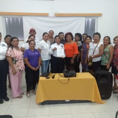 """Ayuntamiento de Isla Mujeres fomenta los valores y la buena conducta a través del taller """"Prevención del delito en el ámbito familiar"""""""