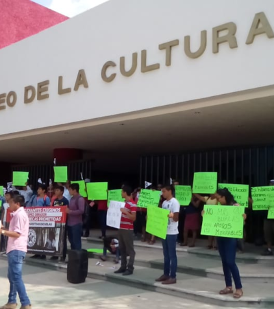RECLAMAN A AMLO EL PAGO DE BECAS: Realizan estudiantes protestan por el incumplimiento de un compromiso de la campaña presidencial