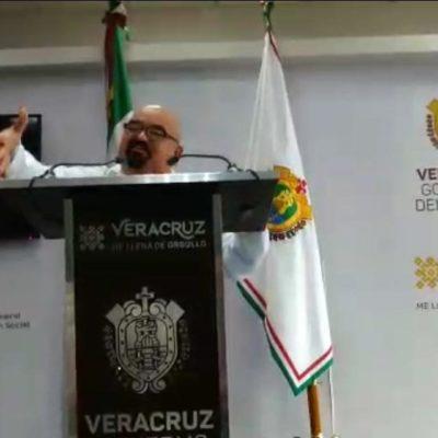 VIDEO | 'NINGÚN CHILE LES EMBONA': Arremete secretario de salud de Veracruz contra reporteros críticos