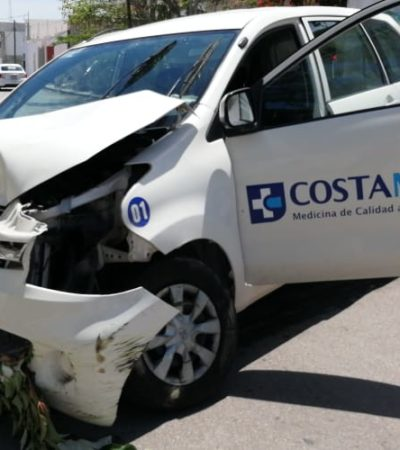 Chocan camioneta de CostaMed, en Playa del Carmen