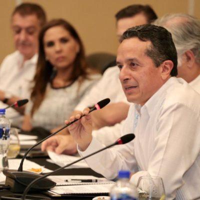 ACUERDAN INCORPORAR A 'NINIS' AL SECTOR TURÍSTICO: Propone Gobernador que mediante el programa 'Jóvenes Construyendo el Futuro' también se recoja el sargazo