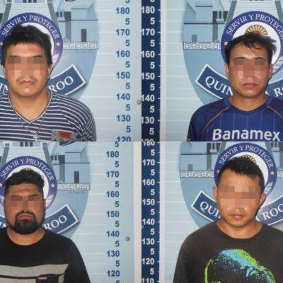 Detienen a cuatro sujetos por posesión de drogas, luego de persecución policíaca en Cancún