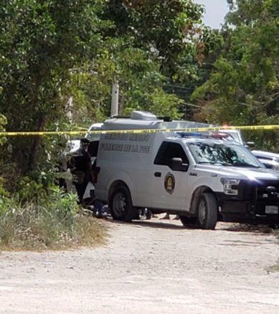 Encuentran cuerpo encajuelado en camino de terracería de la colonia El Pedregal, a unos 500 metros de la avenida Cancún