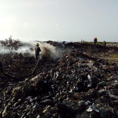 Incendio en basurero de Chetumal ya abarca 2 hectáreas, pero va en fase de extinción