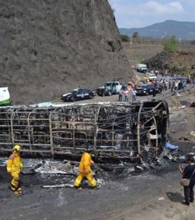 Llegan a Chiapas los cuerpos de doce víctimas de accidente en la Puebla-Córdoba; faltan doce más