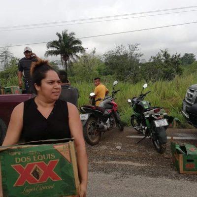 FOTOS | Cervezas gratis para festejar el día del Padre; rapiñan tráiler accidentado en Tabasco