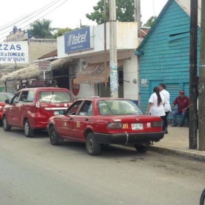 Denuncian a taxistas de José María Morelos por adueñarse de la calle e intimidar a conductores