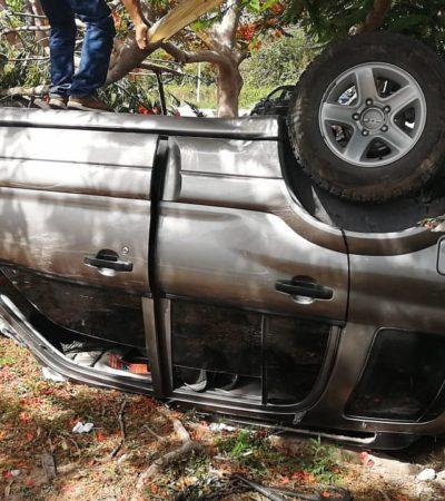 Vuelca carro en carretera Puerto Morelos-Playa del Carmen