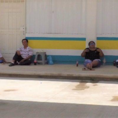 En Cancún, funcionarios de casilla amenazan con abandonar sus puestos, debido a que el Ieqroo los dejó sin desayunar