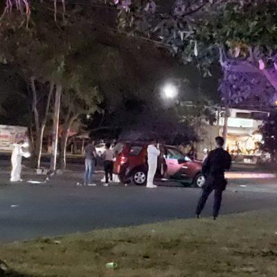 RAFAGUEAN CAMIONETA CON POLICÍAS: Hieren a un agente estatal y a dos compañeras mujeres en el cruce de las avenidas La Luna y Cancún