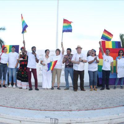 Reivindica Alcaldesa a Playa del Carmen como 'ciudad incluyente' y encabeza marcha del 'Orgullo Gay'