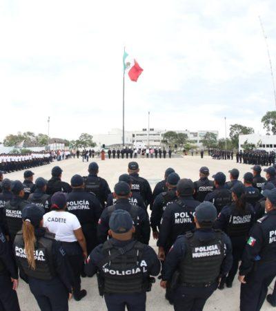 Acude Alcaldesa al pase de lista y pide a policías 'cerrar filas' contra la delincuencia en Solidaridad