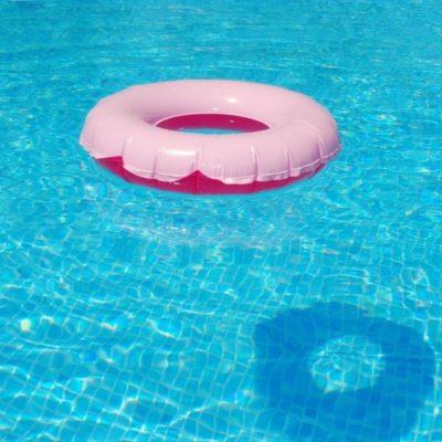 TRAGEDIA INFANTIL EN UNA ALBERCA: Cae niño de casi dos años al agua y se ahoga en la SM 210 de Cancún