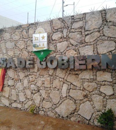 Yunitzilim Rodríguez, activista del colectivo Marea Verde inicia plantón frente a la Casa de Gobierno en Chetumal, por despido injustificado de la Uqroo