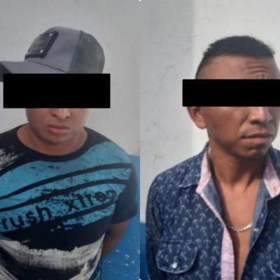 Atrapan a dos asaltantes armados en Cobá