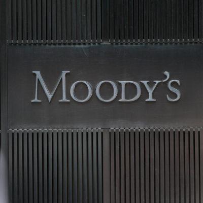Advierte Moody's impacto negativo en sector energético por arbitrajes solicitados por CFE