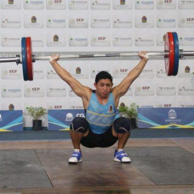 El quintanarroense Víctor Güemez consigue tres medallas de oro en la disciplina de halterofilia en la Olimpiada Nacional