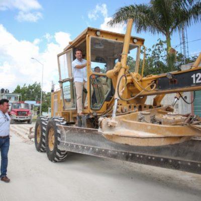 Supervisa Pedro Joaquín los trabajos de pavimentación en la colonia Maravilla Etapa I