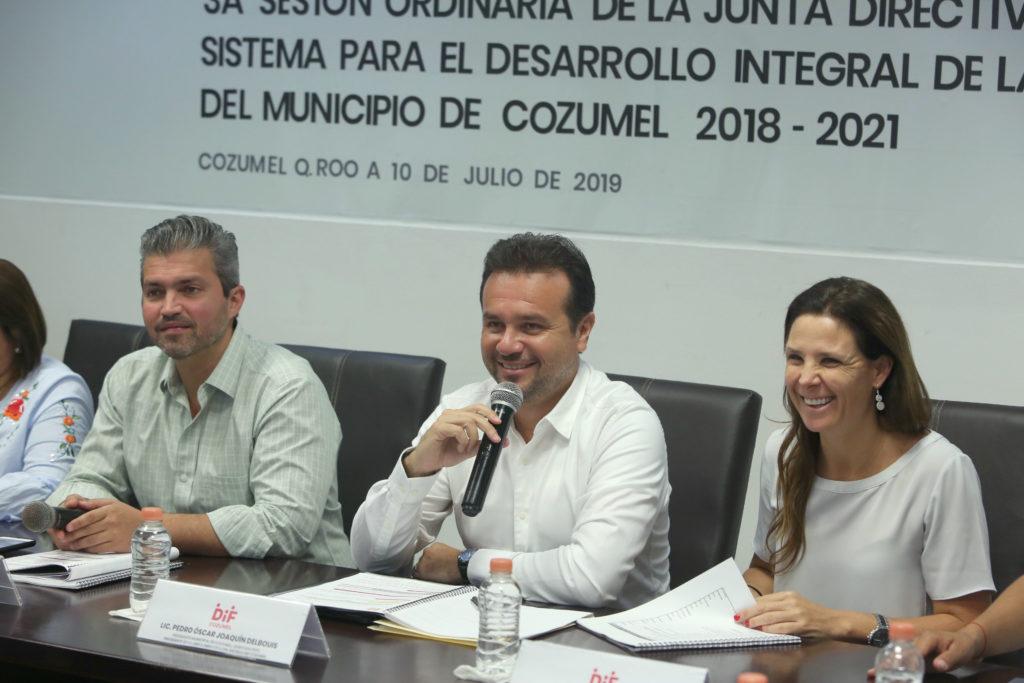 Pedro Joaquín ratifica el compromiso de brindar atención a sectores vulnerables de Cozumel