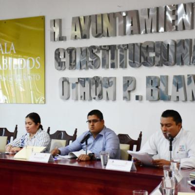 Deberá el presidente municipal Otoniel Segovia y sus funcionarios rendir cuentas de sus viajes y los beneficios que han traído para el municipio; en protesta, el edil se ausenta de la XX sesión de Cabildo