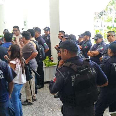 LEVANTAN PROTESTA POLICÍAS DE CHETUMAL: Sin acuerdos concretos y sin lograr la destitución del jefe policiaco, termina paro de labores en la capital de QR