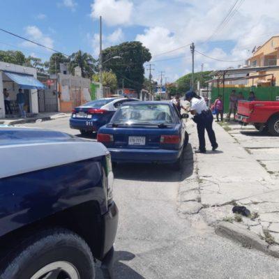 Detienen a sujeto y recuperan un vehículo robado durante operativo policíaco en Isla Mujeres