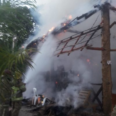 Incendian restaurante 'La Barracuda' de FCP