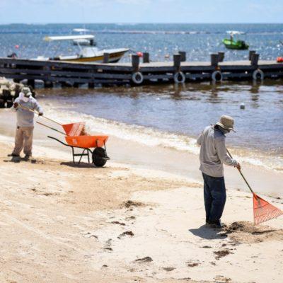 Refuerzan labores de servicios públicos en Puerto Morelos por temporada vacacional