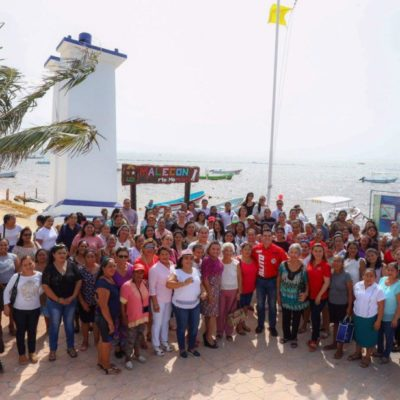 """Alejandro """"Alito"""" Moreno se compromete a abrir espacios de participación para mujeres priístas en Puerto Morelos"""
