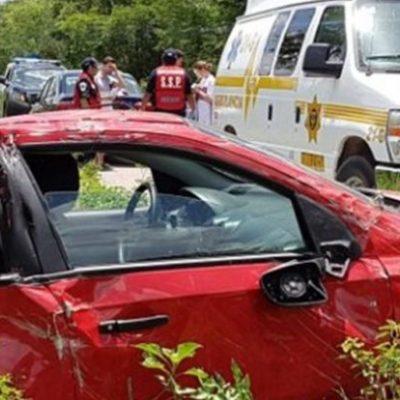 Atropella conductor a dos mujeres que resultaron ser su tía y su prima en Ticul; él también falleció al impactar contra un poste de CFE