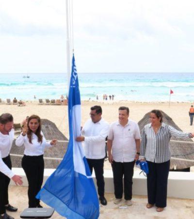 Mara Lezama iza la 'Blue Flag' en playa privatizada por hotel en Cancún y asegura reconocer el esfuerzo de la industria privada por contribuir al reconocimiento del destino