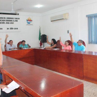Sesiona Cabildo en Lázaro Cárdenas y toma protesta David Rosado como regidor