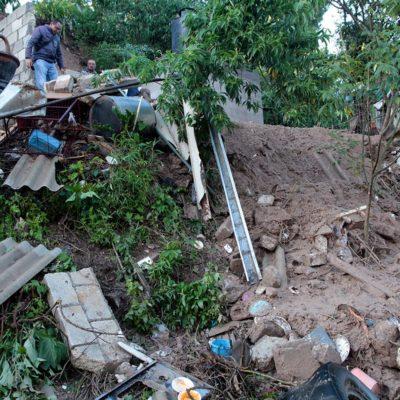 Deja siete muertos y al menos quince heridos desgajamiento de cerro en Puebla