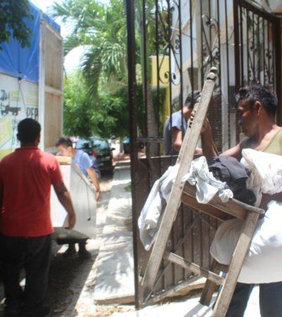 'EL MOSCO' HACE DE LAS SUYAS EN PLAYA: Conocido operador de tierras de Holbox se apodera de edificio en la colonia Colosio, denuncian