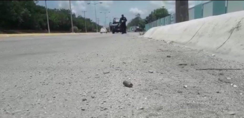 Personas armadas emboscan a patrulla de la Policía Estatal que transportaba a un reo en Cozumel