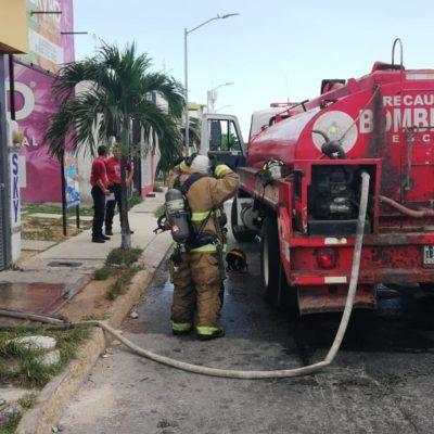 Trabajador de Oxxo se lesiona en incendio en Villas del Sol