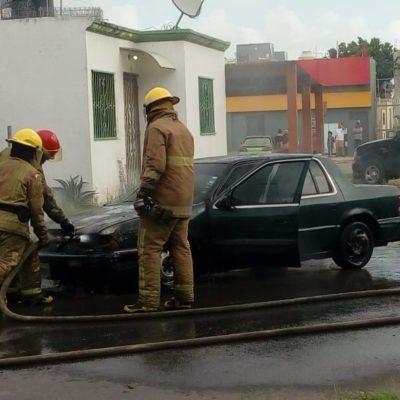Se quema coche en Chetumal