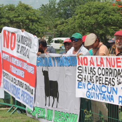 Protestan a favor de la tauromaquia en audiencia del Gobernador en Kantunilkín