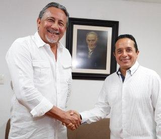 Da Carlos Joaquín posesión a Arturo Contreras como Encargado de Despacho de la Secretaría de Gobierno