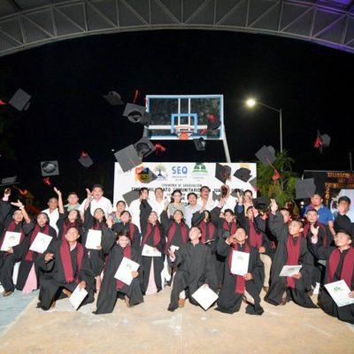 Egresa la primera generación del Telebachillerato Comunitario de San Juan