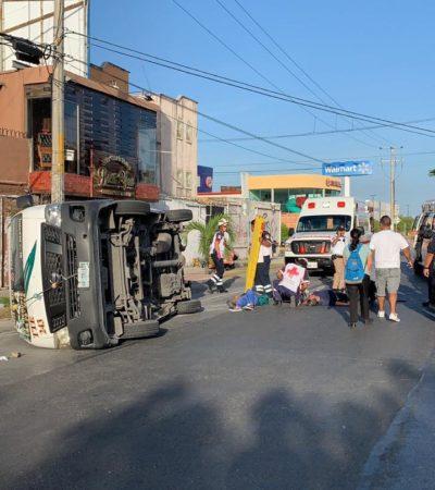 Saldo preliminar de 16 lesionados por volcadura de una camioneta del transporte colectivo en Cancún