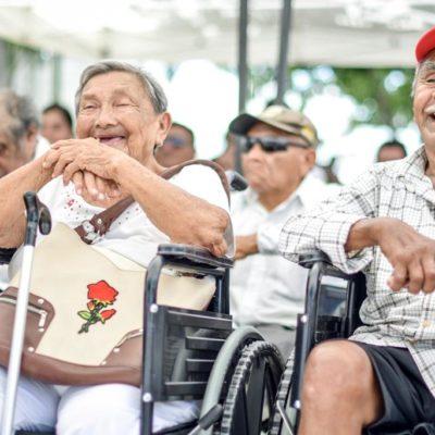 Entregan sillas de ruedas, prótesis y aparatos a grupos vulnerables en Tulum