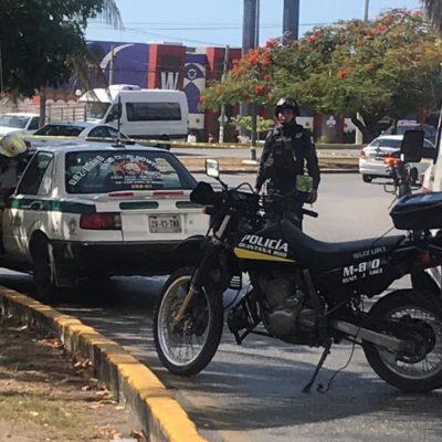 ACTUALIZACIÓN | BALEAN A DOS TAXISTAS EN CANCÚN: Disparan contra tripulantes de un auto en el cruce de las avenidas Nichupté con Tulum; uno muere en el hospital
