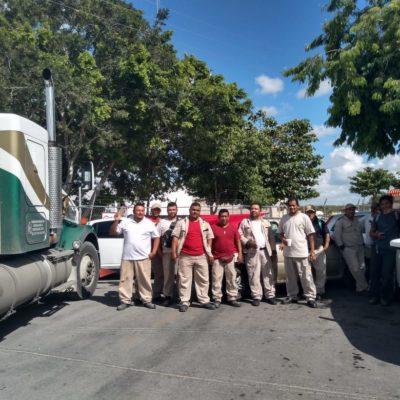 Protestan trabajadores de 'Gas Imperial' en Cancún para exigir firma de contrato colectivo y prestaciones de ley