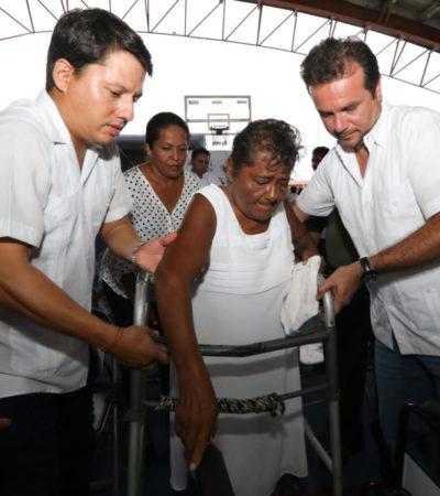 """Más de mil personas son beneficiadas durante la primera caravana de servicios """"Podemos Juntos"""" en Cozumel"""
