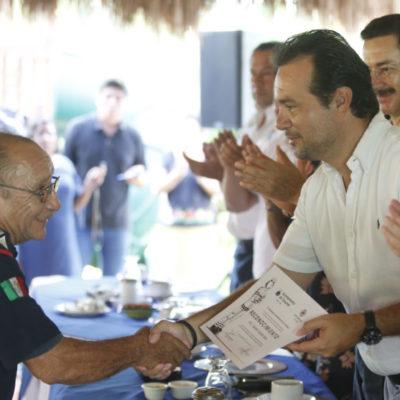 Destaca Pedro Joaquín la vocación de trabajo y servicio de bomberos de Cozumel