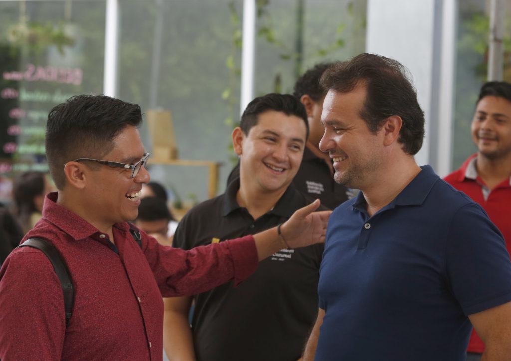 """Imparten en Cozumel la conferencia """"Liderazgo para servir, no para lucirse""""en el Día Internacional de la Juventud"""