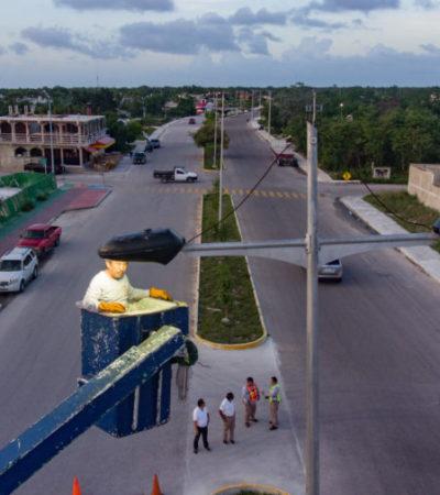 Supervisa Pedro Joaquín reparación de luminarias en colonias de Cozumel